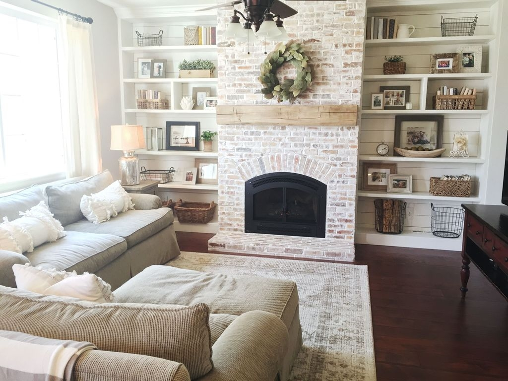 Modern Brick Fireplace Decorations Ideas For Living Room40