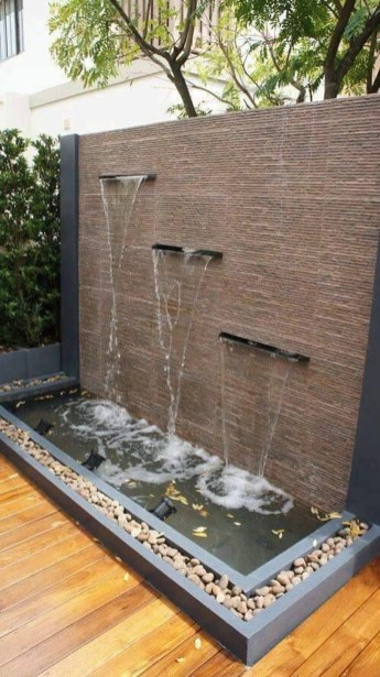 Stylish Outdoor Water Walls Ideas For Backyard12