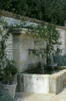 Stylish Outdoor Water Walls Ideas For Backyard28