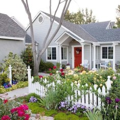 Beautiful Front Yard Cottage Ideas For Garden Landscaping37