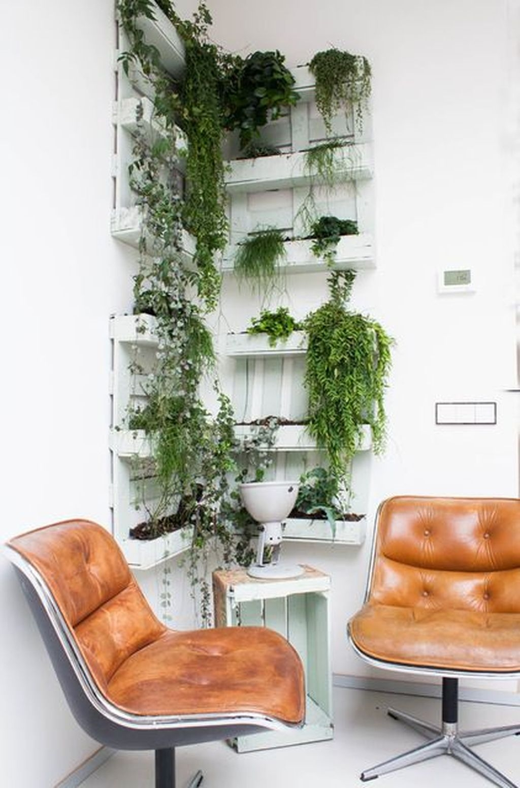 Cute Living Wall Décor Ideas For Indoor And Outdoor36