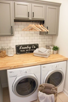 Popular Farmhouse Laundry Room Design Ideas28