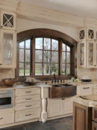 Pretty Farmhouse Kitchen Design Ideas To Get Traditional Accent29