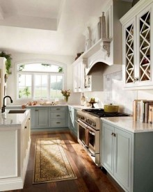 Pretty Farmhouse Kitchen Design Ideas To Get Traditional Accent35