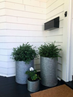 Adorable Porch Planter Ideas That Will Give A Unique Look20