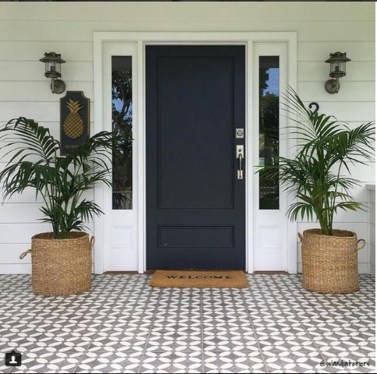 Adorable Porch Planter Ideas That Will Give A Unique Look39