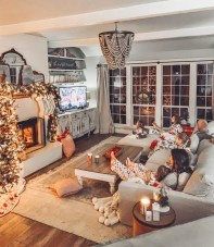 Affordable Family Room Décor Ideas For Your Family15