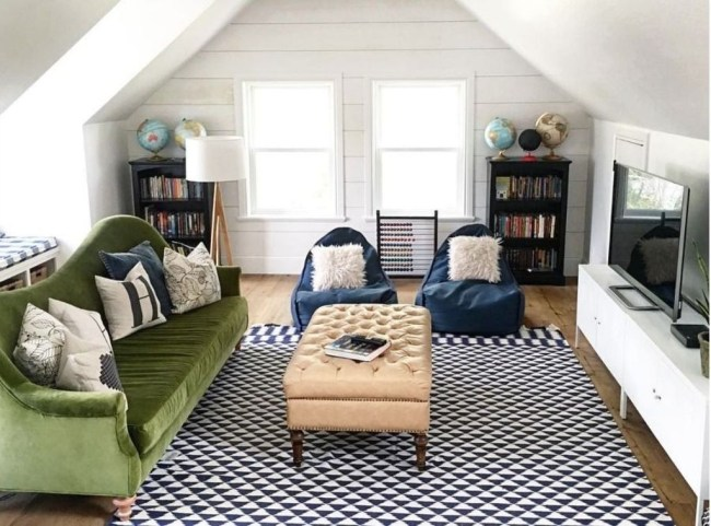 Affordable Family Room Décor Ideas For Your Family37