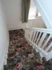 Beautiful Color Ideas For Your Stairs Decoration25