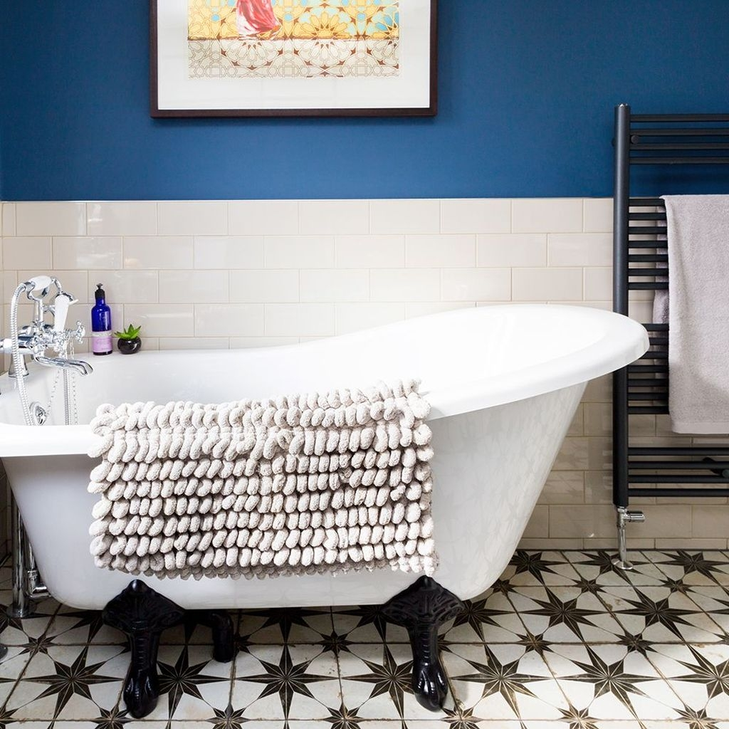 Charming Traditional Bathroom Decoration Ideas Just Like This12