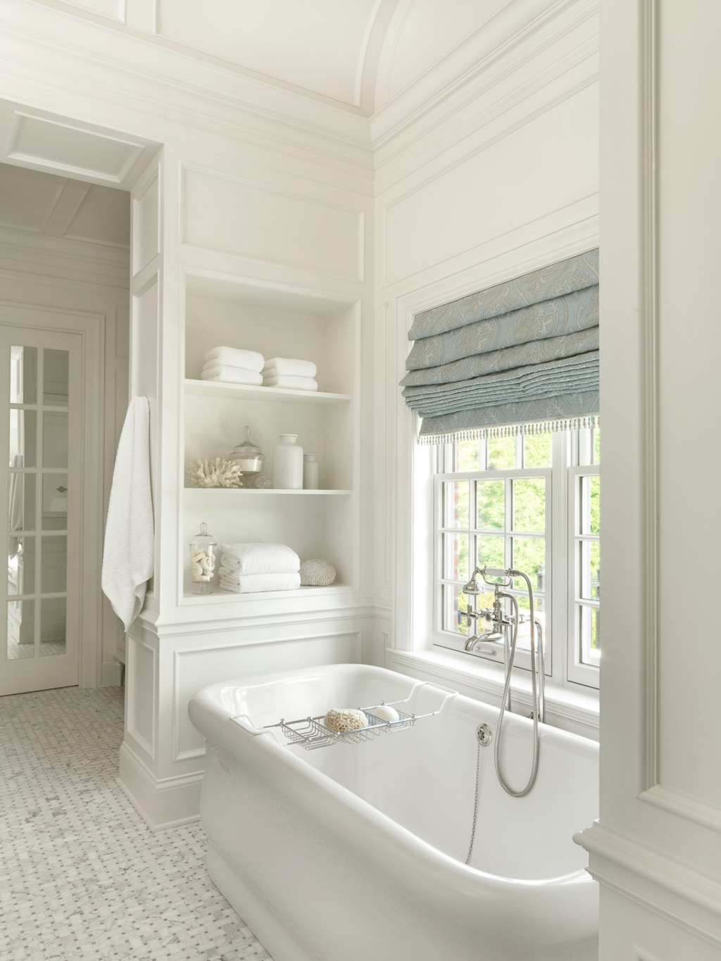Charming Traditional Bathroom Decoration Ideas Just Like This16