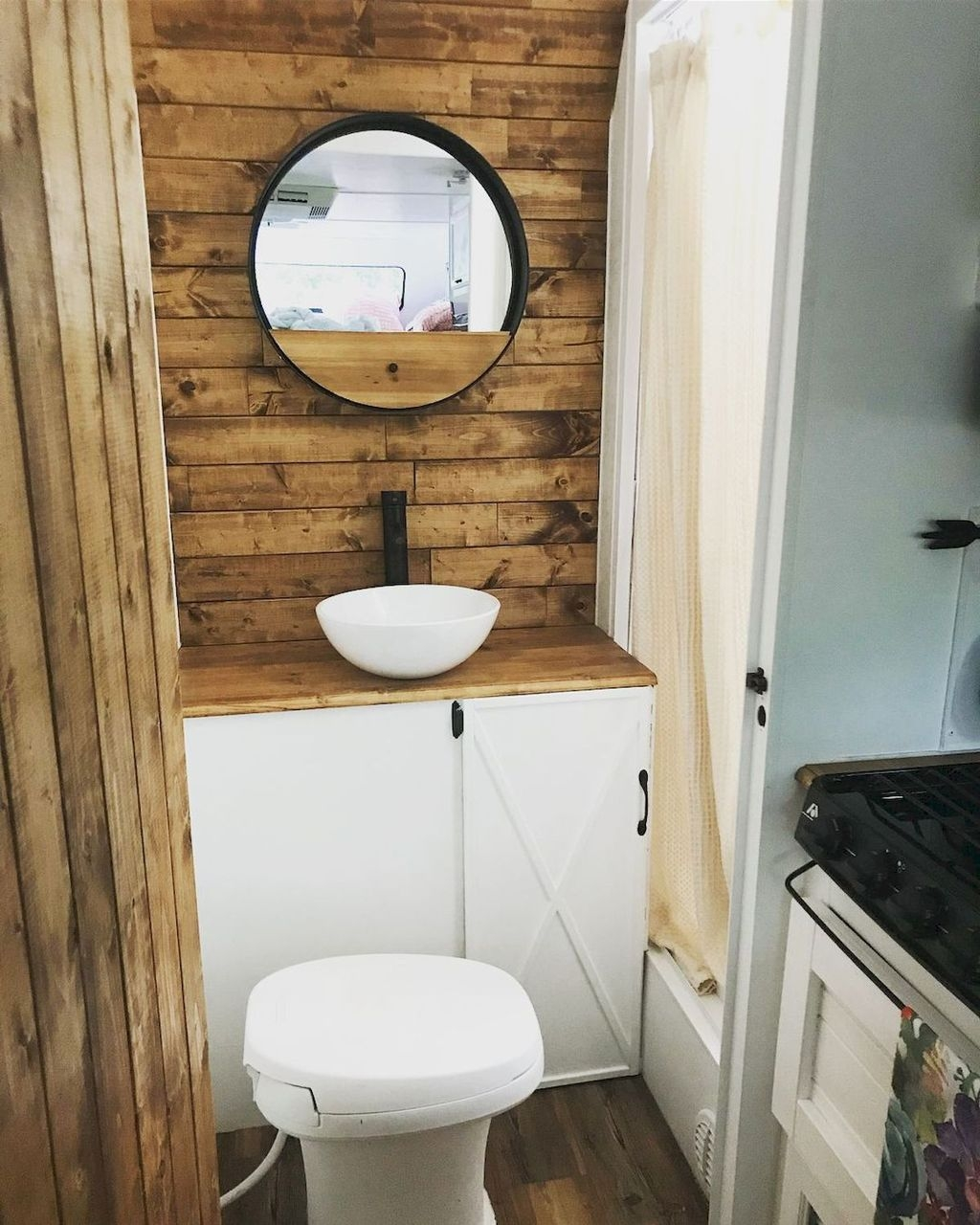 Fascinating Rv Remodel Ideas For Bathroom On A Budget05
