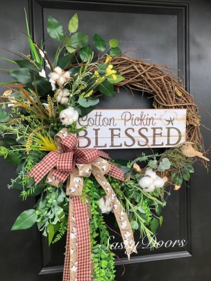 Pretty Front Door Wreath Ideas08