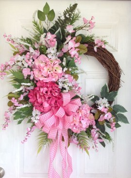 Pretty Front Door Wreath Ideas14