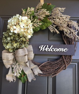 Pretty Front Door Wreath Ideas15
