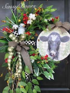Pretty Front Door Wreath Ideas21