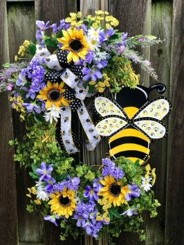 Pretty Front Door Wreath Ideas25