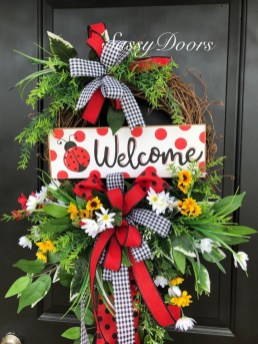 Pretty Front Door Wreath Ideas33