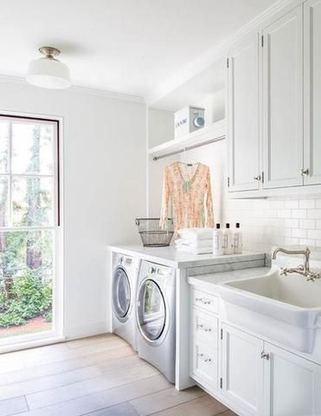 Relaxing Laundry Room Layout Ideas03