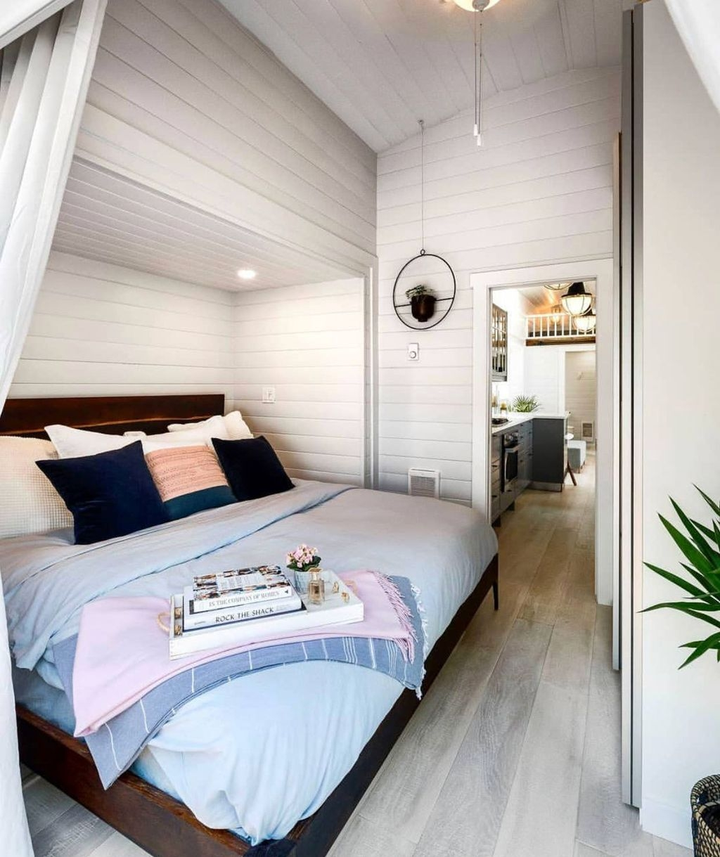 Rustic Tiny House Design Ideas With Two Beds09