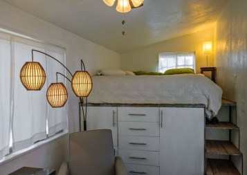 Rustic Tiny House Design Ideas With Two Beds35