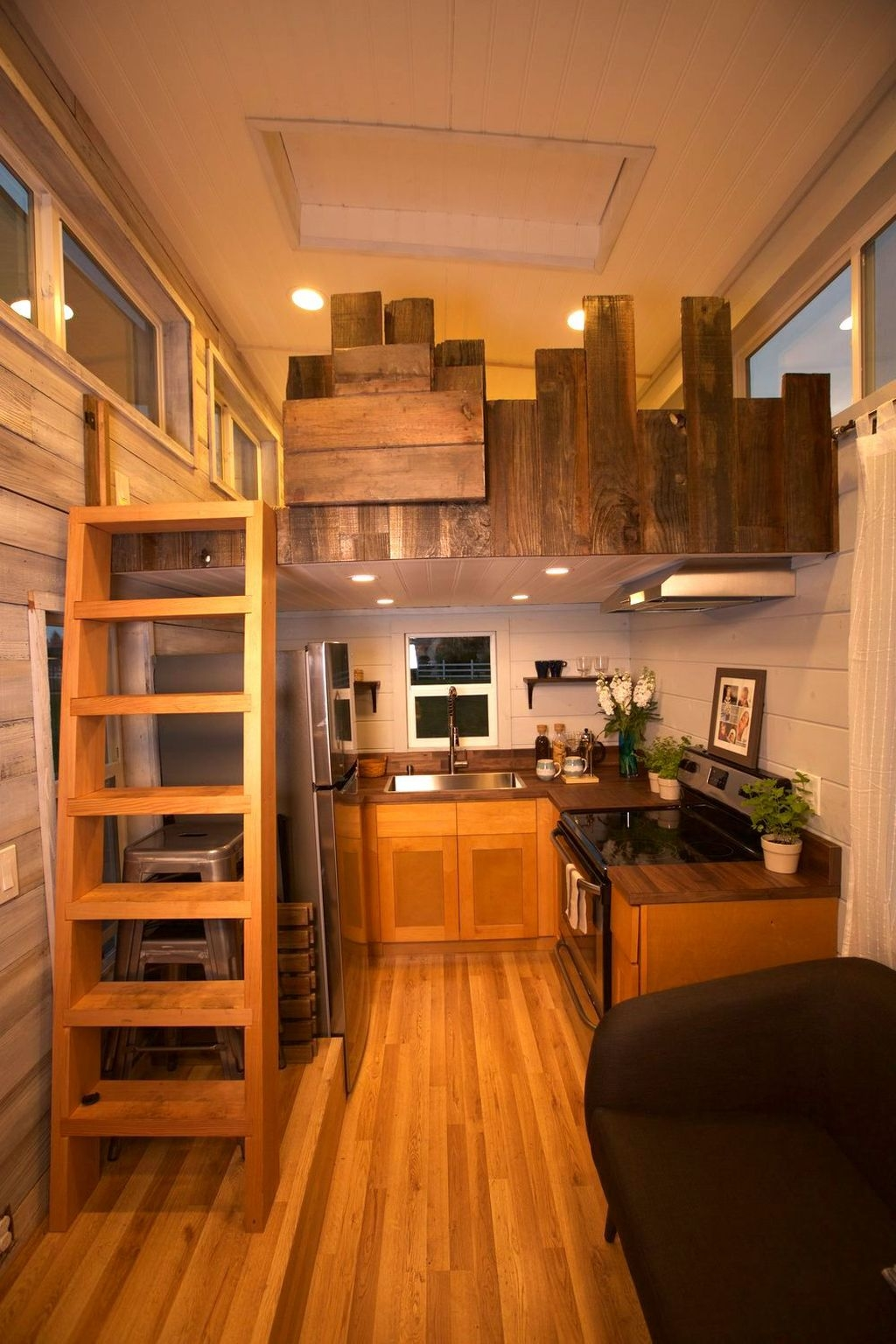 Rustic Tiny House Design Ideas With Two Beds41