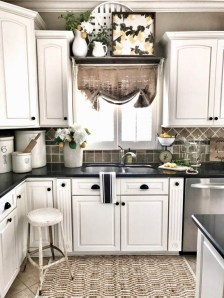 Best Kitchen Decorating Ideas That You Can Easily Try In Your Home22