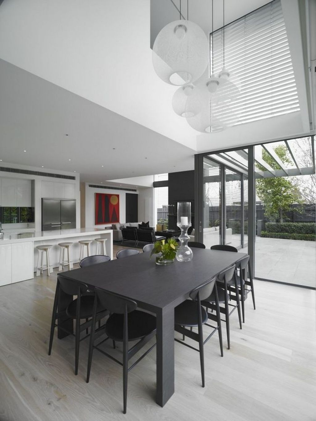 Best Minimalist Dining Room Design Ideas For Dinner With Your Family32