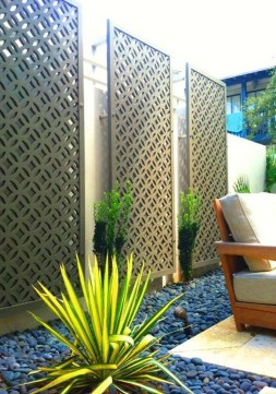 Smart Backyard Fence And Garden Design Ideas For Your Garden30