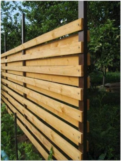 Smart Backyard Fence And Garden Design Ideas For Your Garden33