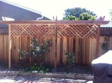 Smart Backyard Fence And Garden Design Ideas For Your Garden35
