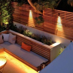 Smart Backyard Fence And Garden Design Ideas For Your Garden42