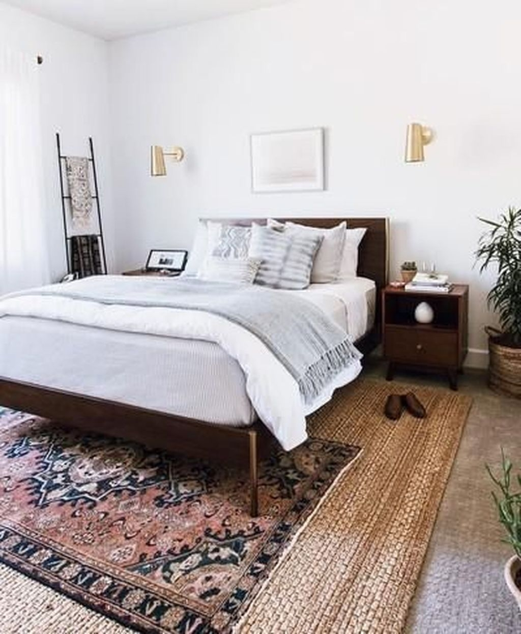 Awesome Bedroom Rug Ideas To Try Asap32