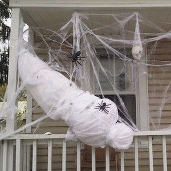 Awesome Scary Halloween Porch Ideas To Try Today05
