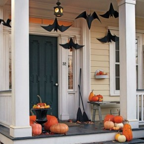 Awesome Scary Halloween Porch Ideas To Try Today37