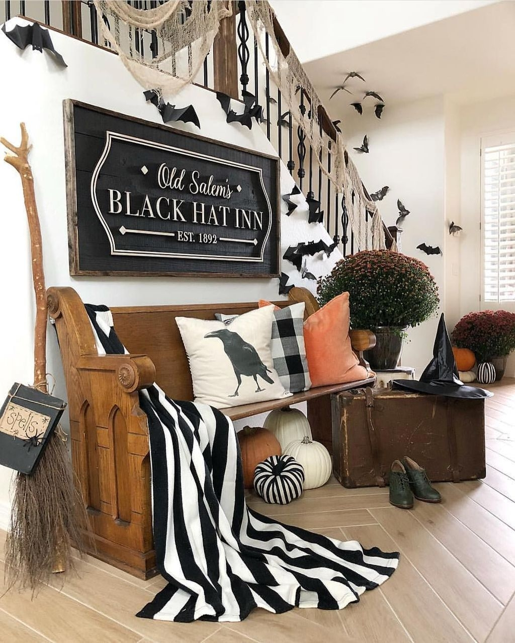 Casual Halloween Decorations Ideas That Are So Scary07