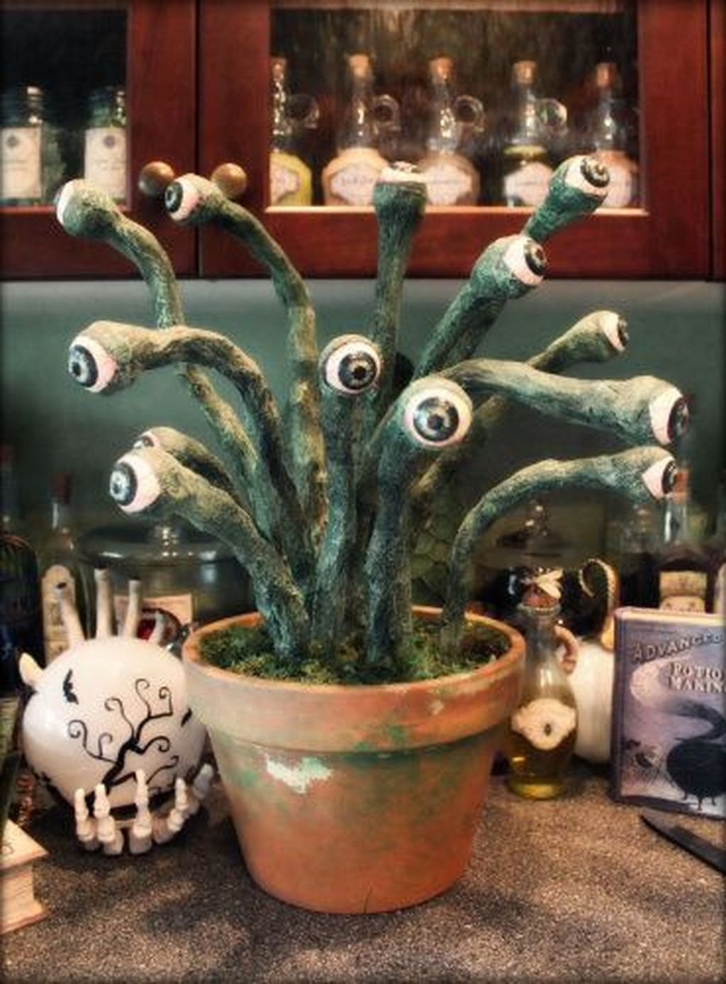 Casual Halloween Decorations Ideas That Are So Scary11