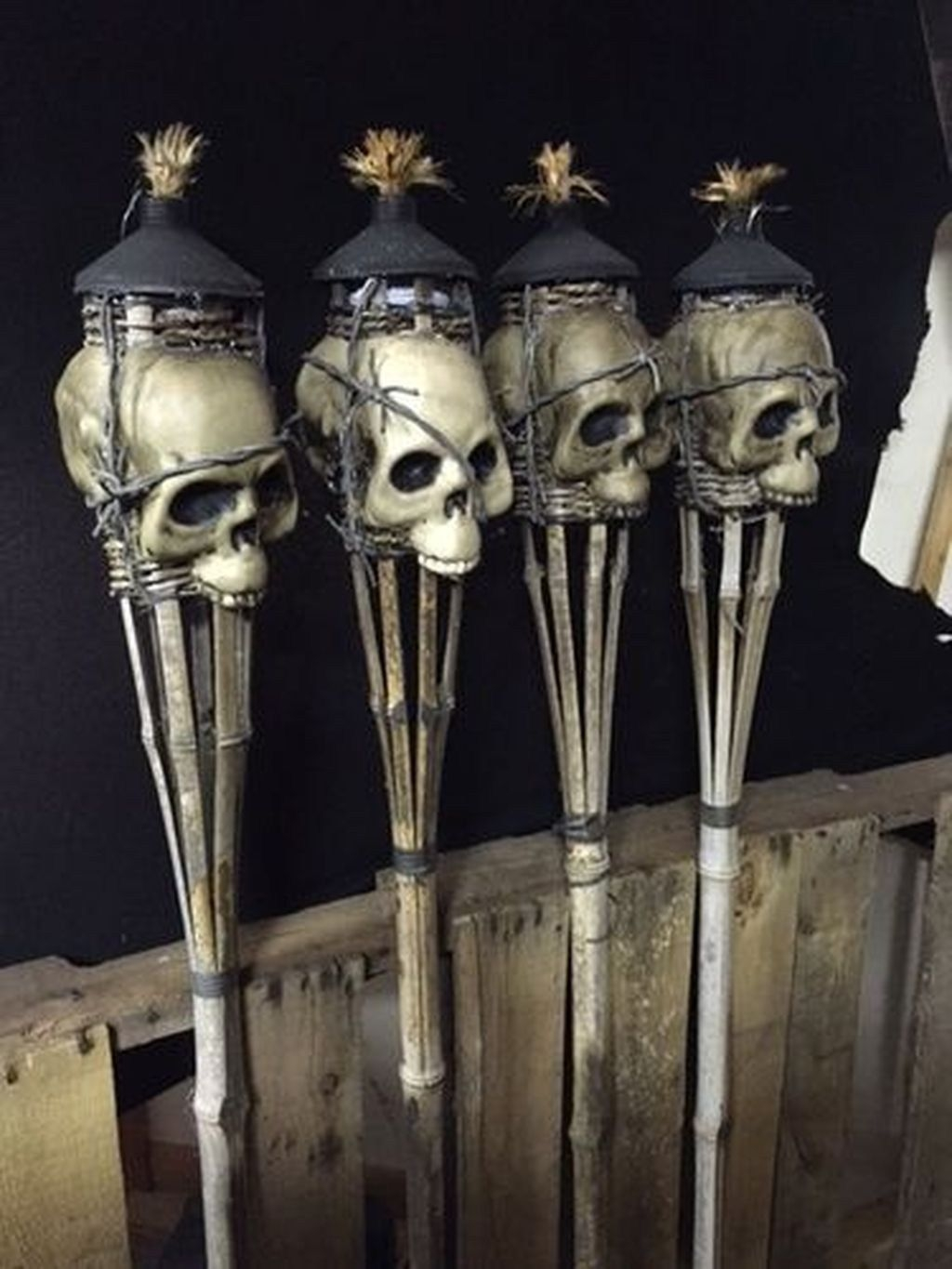 Casual Halloween Decorations Ideas That Are So Scary24
