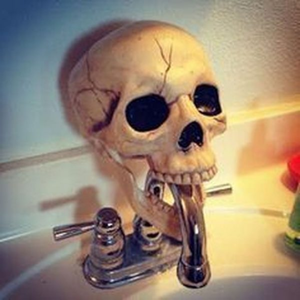 Casual Halloween Decorations Ideas That Are So Scary33