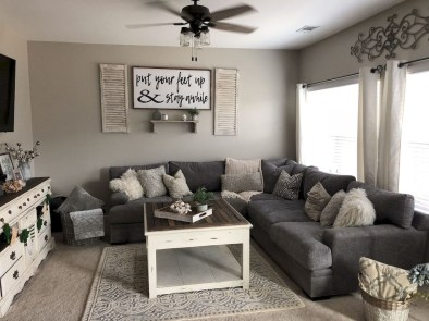 Comfy Living Room Decor Ideas To Make Anyone Feel Right At Home02