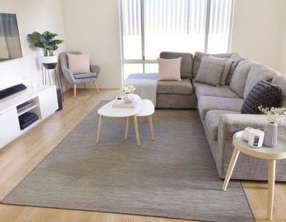 Comfy Living Room Decor Ideas To Make Anyone Feel Right At Home14