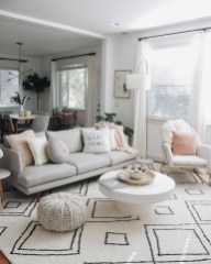 Comfy Living Room Decor Ideas To Make Anyone Feel Right At Home37