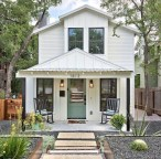 Cozy Farmhouse Exterior Design Ideas That Looks Cool01