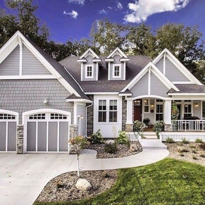 Cozy Farmhouse Exterior Design Ideas That Looks Cool17
