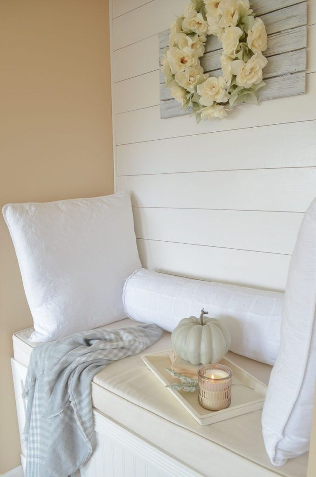 Excellent Fall Decorating Ideas For Home With Farmhouse Style10