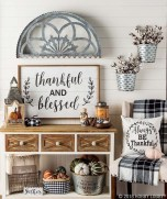 Excellent Fall Decorating Ideas For Home With Farmhouse Style40