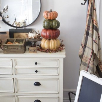 Excellent Fall Decorating Ideas For Home With Farmhouse Style42