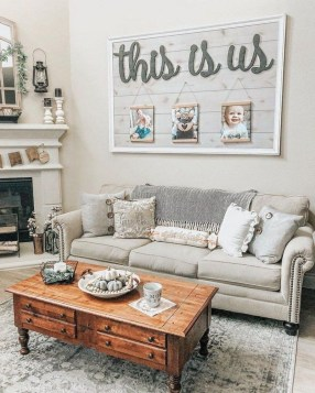 Gorgeous Country Farmhouse Decor Ideas For Living Room32