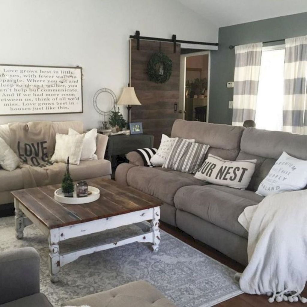 Gorgeous Country Farmhouse Decor Ideas For Living Room38