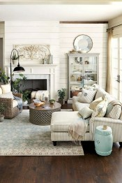 Gorgeous Country Farmhouse Decor Ideas For Living Room42